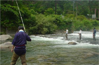 渓流釣り イメージ02